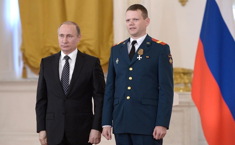 Владимир Путин вручил государственные награды военнослужащим и специалистам, отличившимся в ходе выполнения специальных задач в Сирийской Арабской Республике
