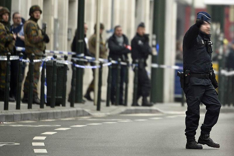 Полицейские и военные обеспечивают безопасность в Брюсселе