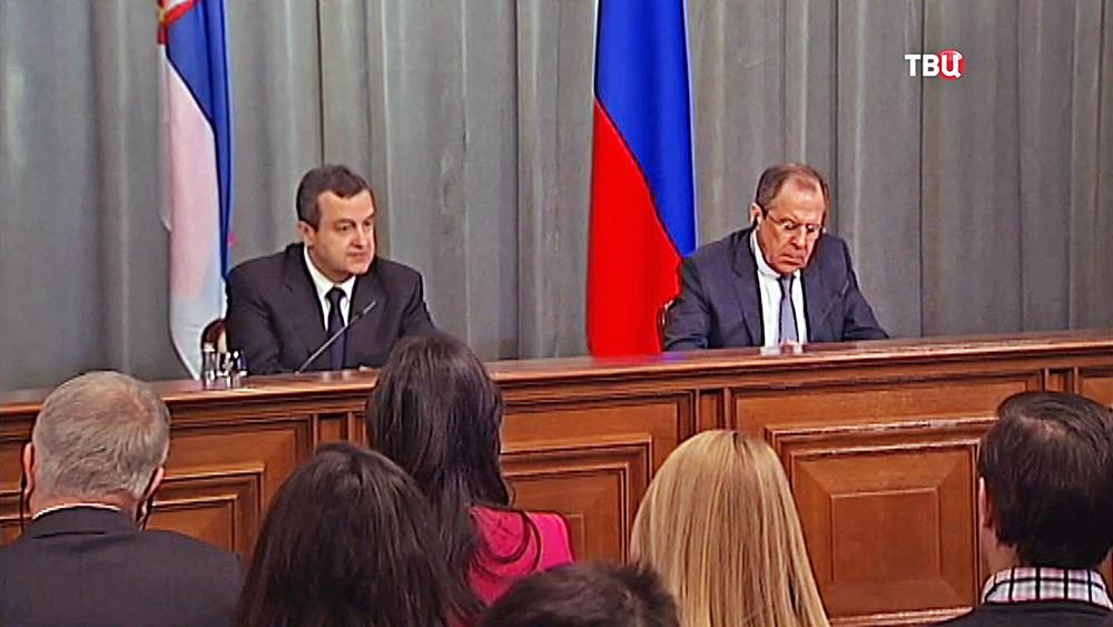 Министр иностранных дел РФ Сергей Лавров и министр иностранных дел Сербии Ивица Дачич