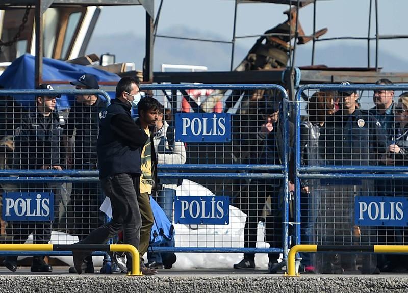 Прибытие парома с мигрантами в Турцию