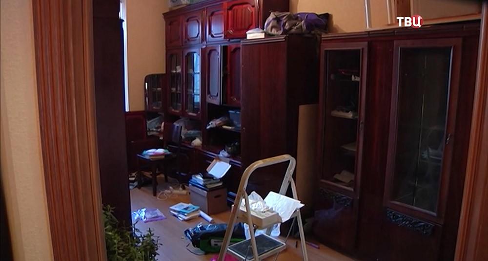"""Обыск квартиры тоталитарной секты """"Аум Синерике"""""""