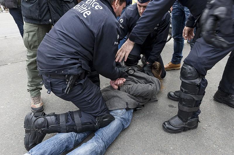 Полиция Бельгии во время задержания преступника