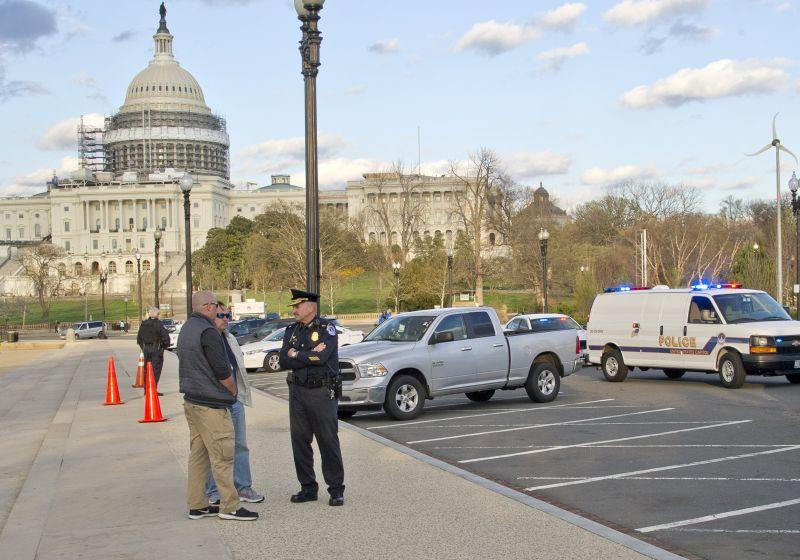 Полиция у здания Капитолия