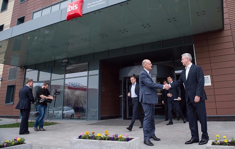 Сергей Собянин осматривает новую гостиницу «ibis Москва Динамо»