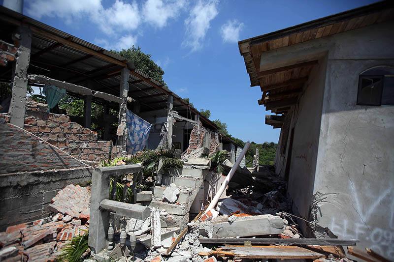 Результат землетрясения в Эквадоре