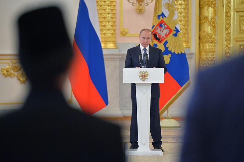Президент России Владимир Путин выступает на церемонии вручения верительных грамот послов иностранных государств