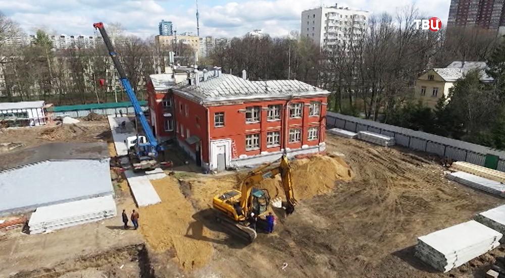 "Строительство дома около парка ""Дубки"""