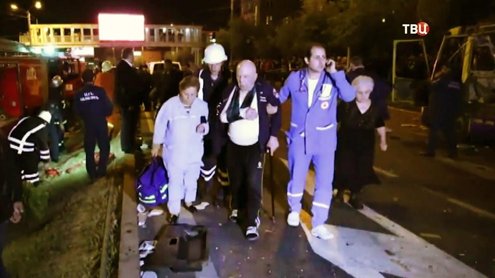 Пострадавшие при взрыве автобуса в Ереване