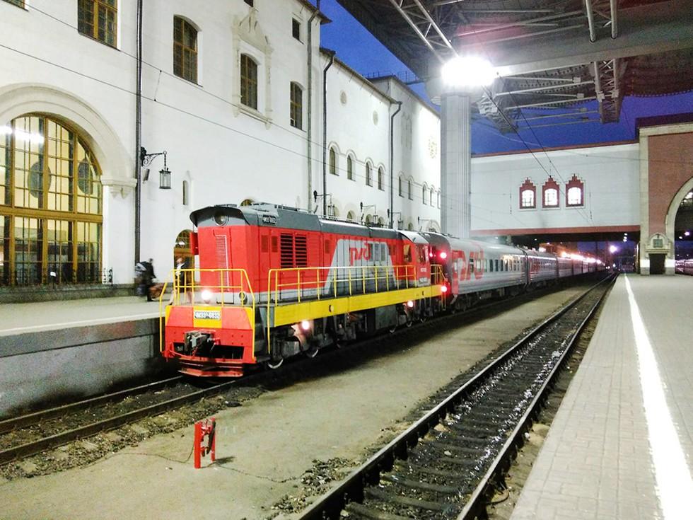 Поезд дальнего следования на Казанском вокзале