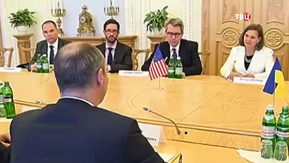 Визит помощника госсекретаря США Виктории Нуланд в Украину