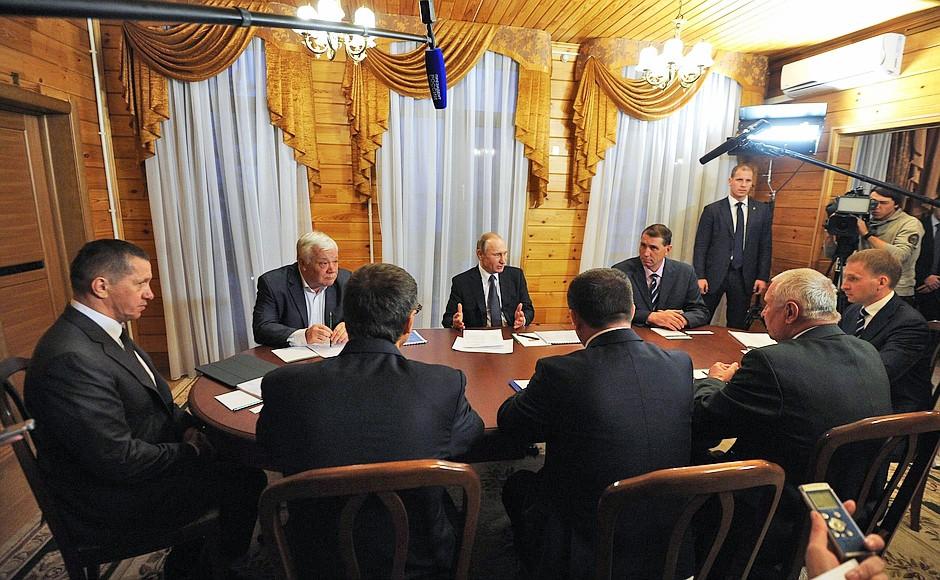 Президент России Владимир Путин на заседании Амурской области