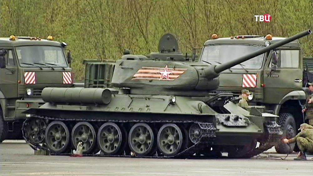 Танк Т-34 на репетиции парада Победы