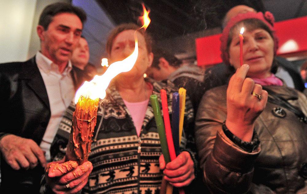 Прибытие Благодатного огня в Москву