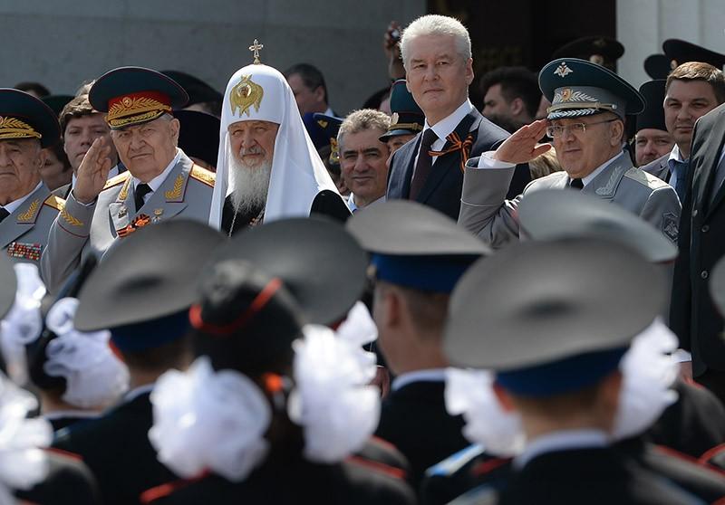 Патриарх Московский и всея Руси Кирилл и мэр Москвы Сергей Собянин на II Московском параде кадетов