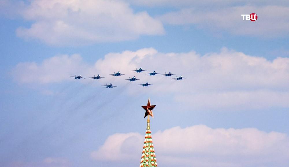 Пролет военной авиации над Красной площадью