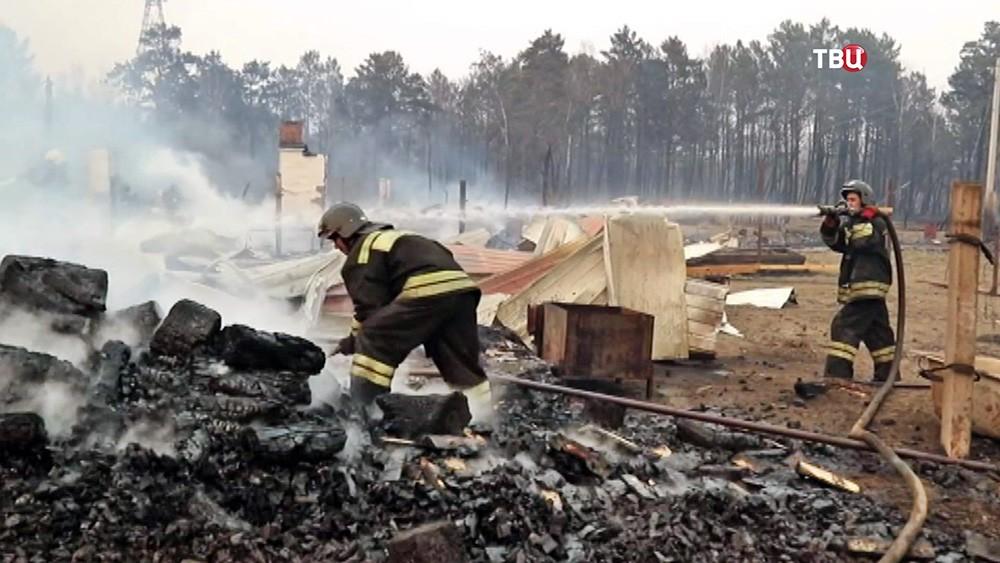 Дома пострадавшие от лесных пожаров