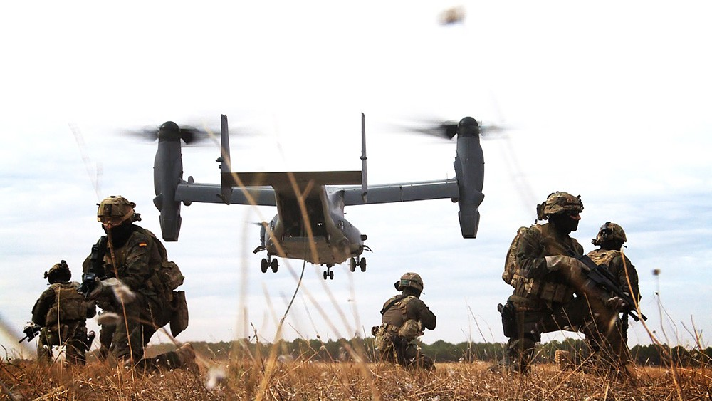 Военнослужащие сил НАТО