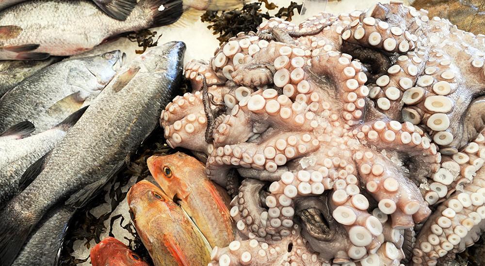 Рыбой и морепродукты