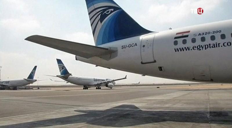 Самолёт авиакомпании EgyptАir A320