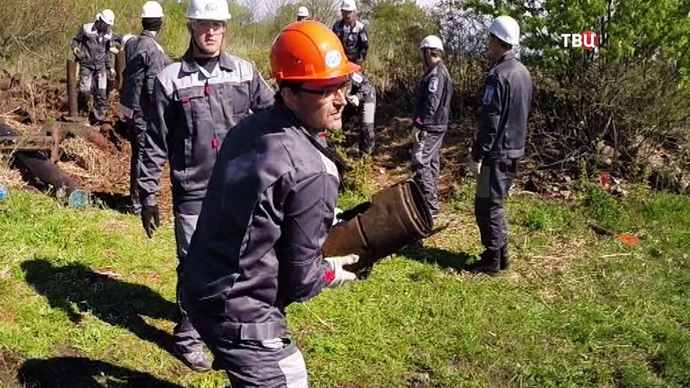 Саперы разминируют боеприпасы времен ВОВ на острове Большой Тютерс