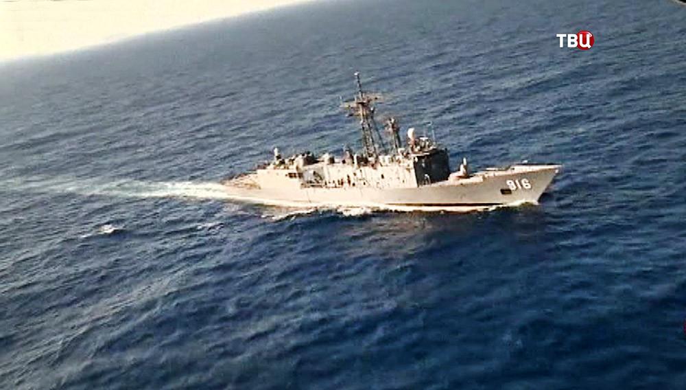 Корабль ВМФ Франции