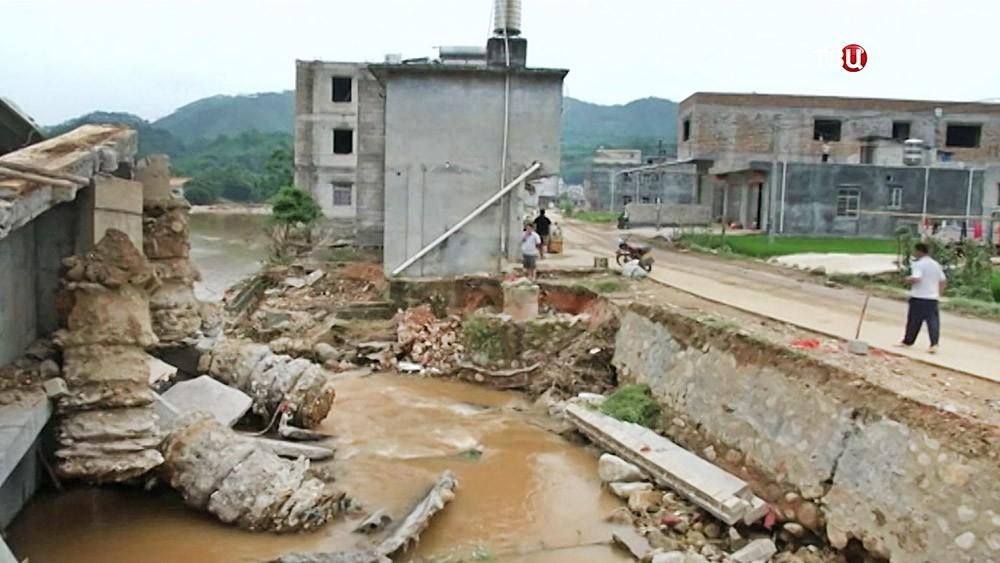 Жертвами наводнения в Китае стали восемь человек