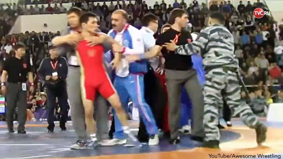 Драка на чемпионате России по вольной борьбе