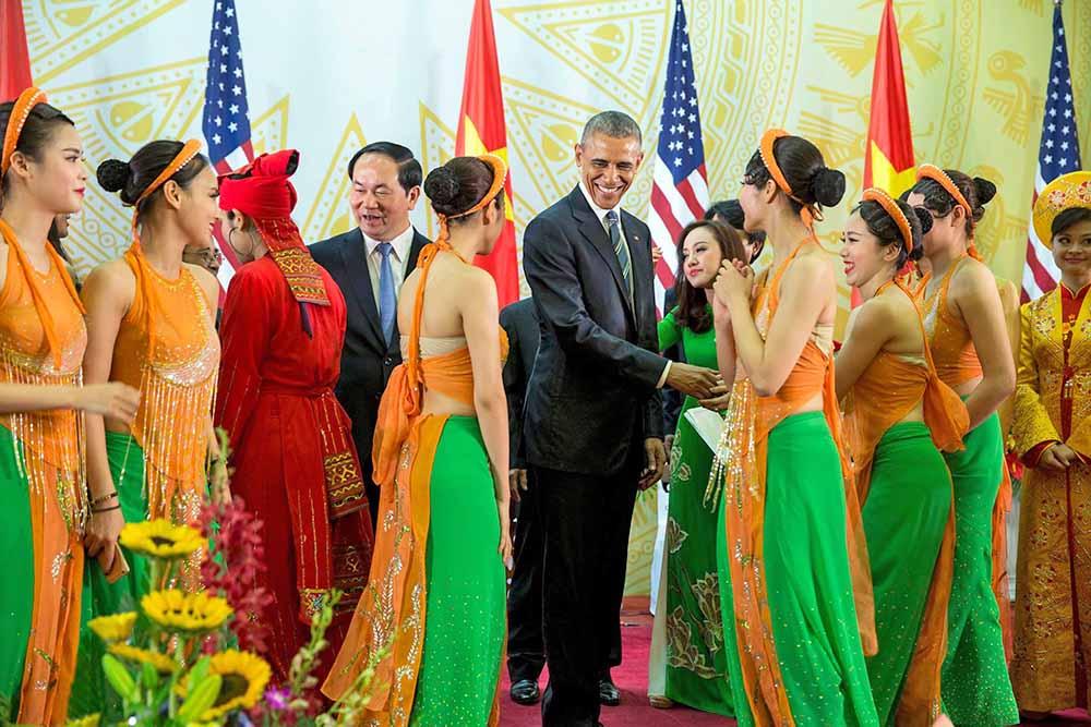 Президент США Барак Обама с визитом во Вьетнаме