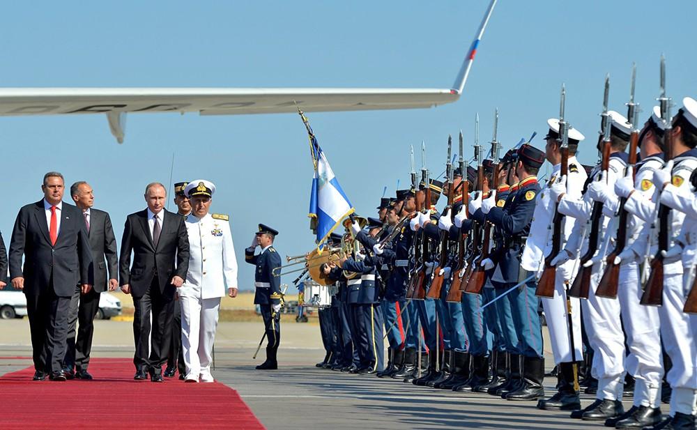 Владимир Путин прибыл с визитом в Грецию