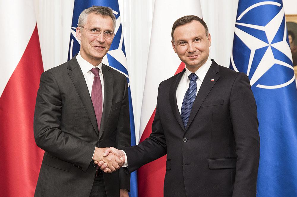 Генсек НАТО Йенс Столтенберг и президент Польши Анджей Дуда