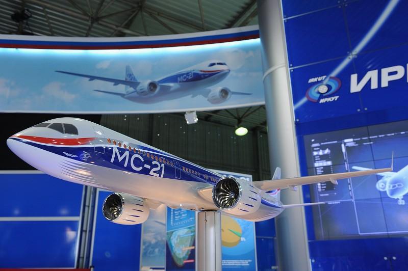 Макет самолета МС-21
