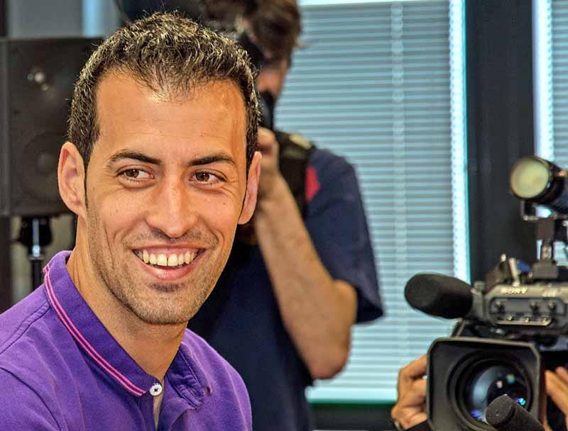 """27-летний опорник """"Барселоны"""" и сборной Испании Серджи Бускетс стоит 50 миллионов евро."""