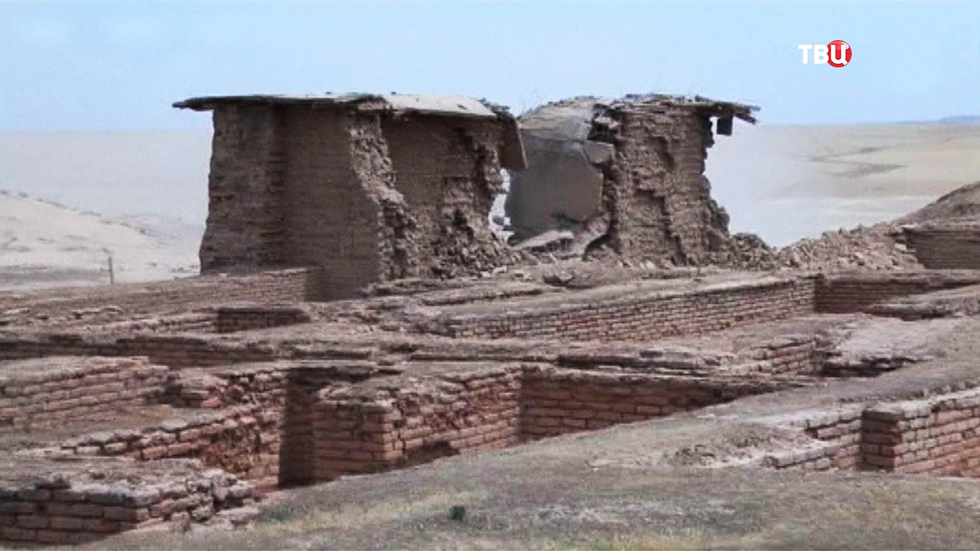 Разрушенный древний храм