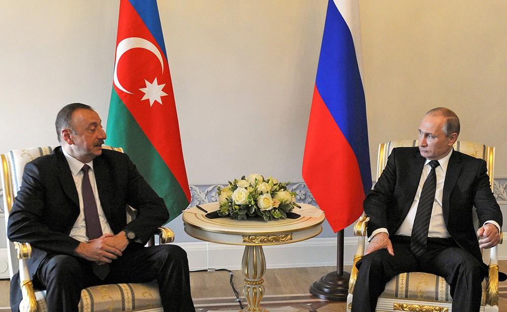 Президент России Владимир Путин и президент Азербайджан Ильхам Алиев