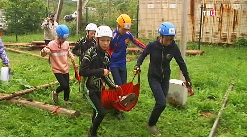 Соревнования юных спасателей