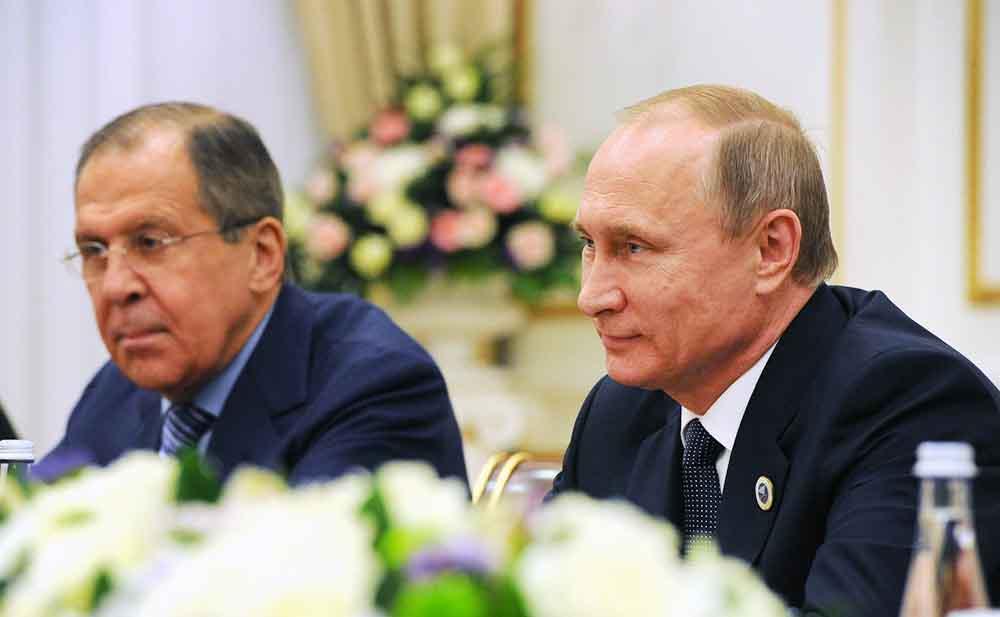 Глава МИД России Сергей Лавров и президент России Владимир Путин