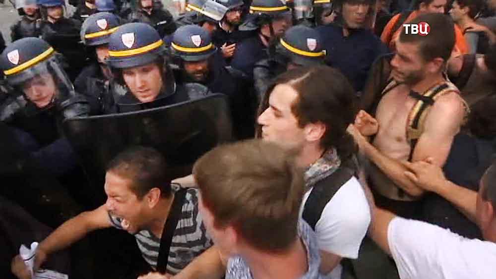 Столкновения с полицией во Франции