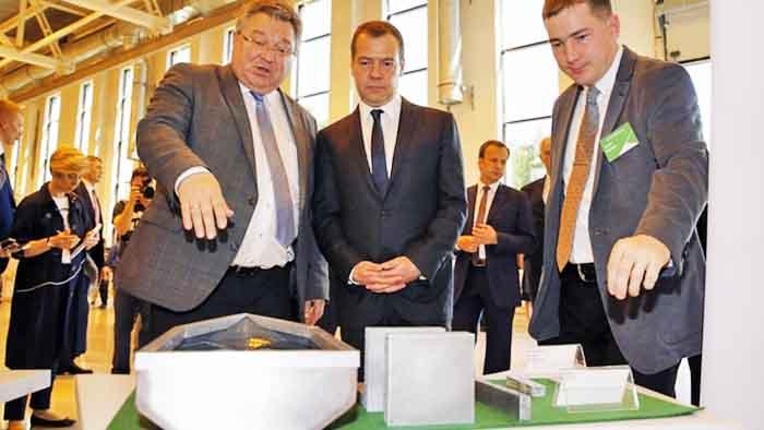 Дмитрий Медведев посетил Санкт-Петербургский политехнический университет