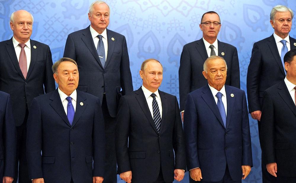 Главы государств-членов ШОС, главы государств и правительств стран-наблюдателей в ШОС и главы делегаций международных организаций