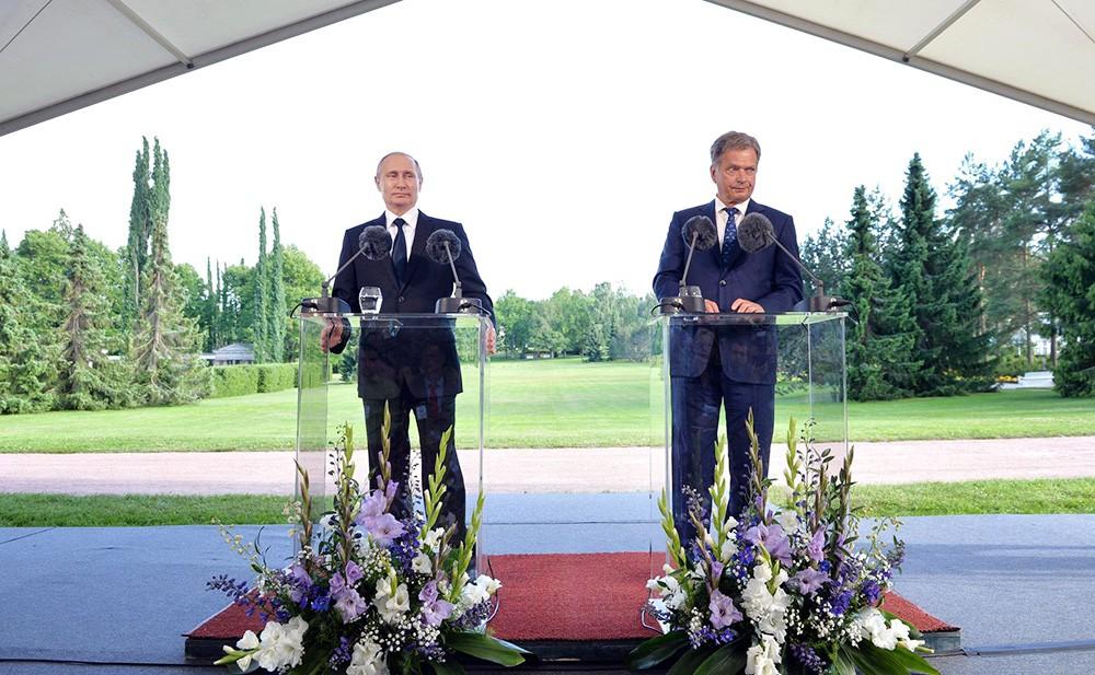 Президент России Владимир Путин и президент Финляндии Саули Ниинистё