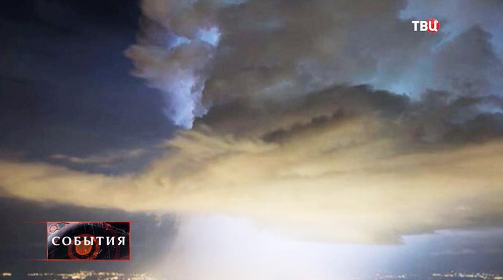 Облака над Большим адронным коллайдером