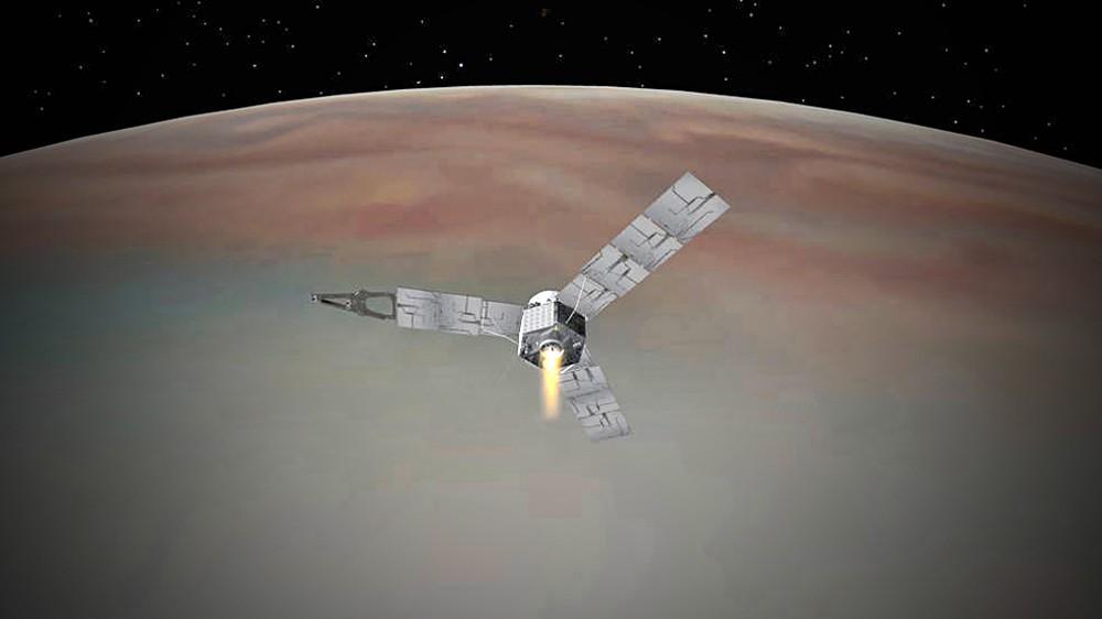 Зонд Juno на орбите Юпитера