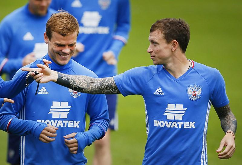 Футболисты Александр Кокорин и Павел Мамаев