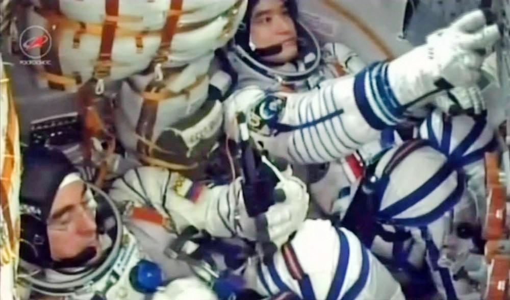 Космонавт Роскосмоса Анатолий Иванишин и японский астронавт Ониши Такуя