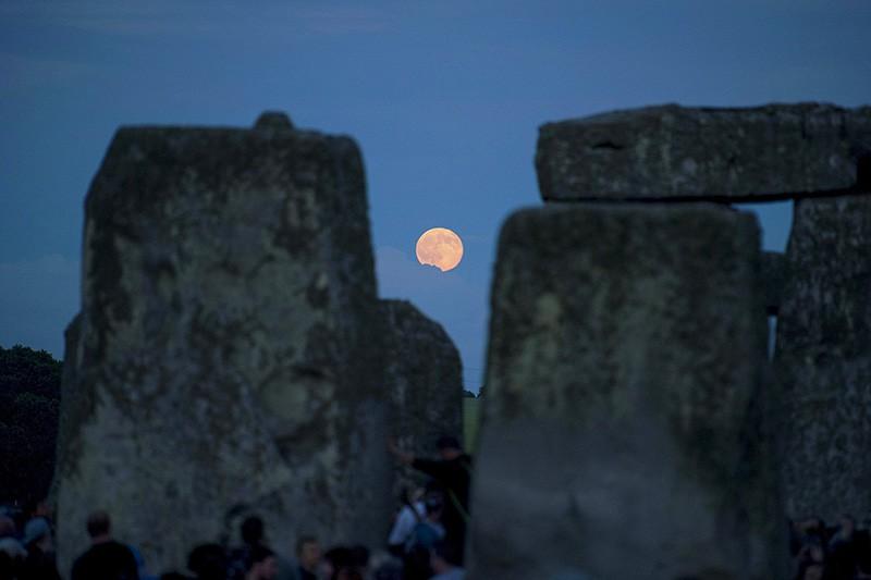 Вид на Луну