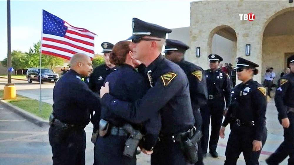Панихида по погибшим полицейским США в Далласе