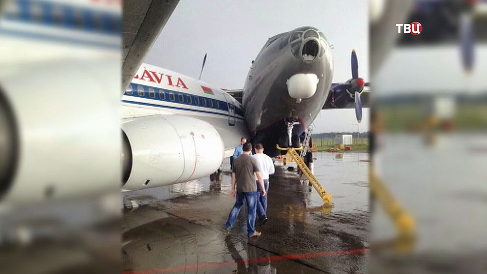 Столкновение самолетов в аэропорту Минска