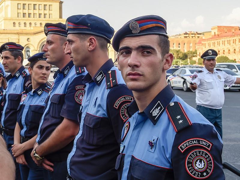 Полиция Еревана