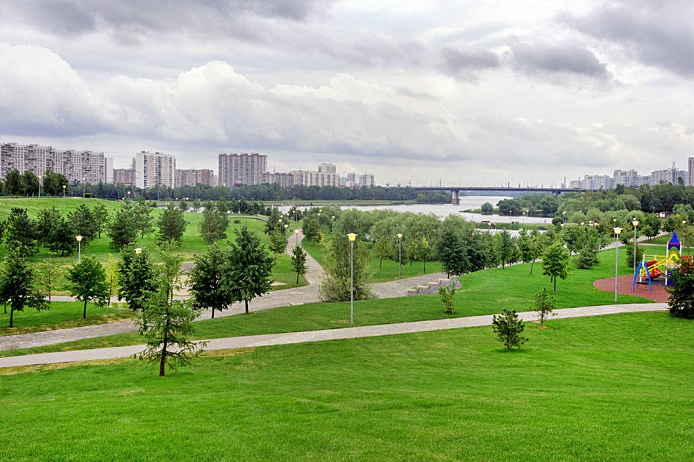 Благоустроенный Братеевский парк