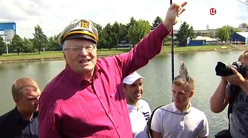 Владимир Жириновский поймал рыбу
